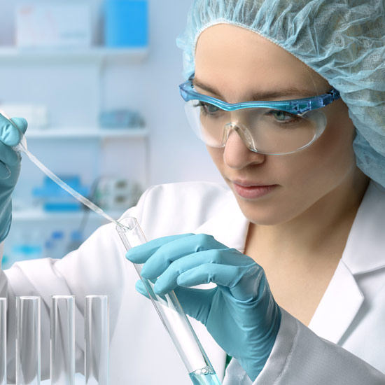 scientist-works-in-laboratory-implen-nanphotometer-protein-assay-applications-sq